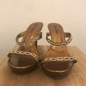 Blossom Collection bronze hue high heels size 7.5
